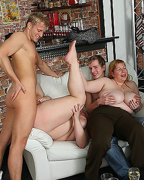 Fat girl is a little drunk & she loves a good fuck so she lets him have her in the bar